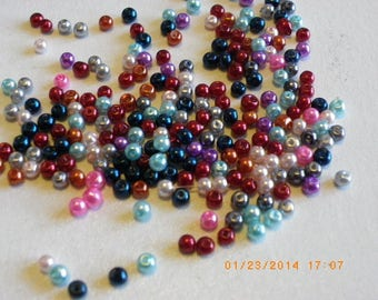 250 to 300 multicolored 3 mm Pearl glass beads