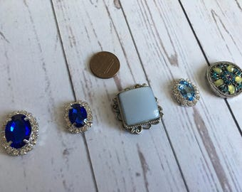Set of 5 embellishments.