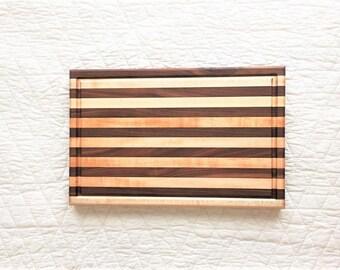 Walnut Maple Edge Grain Cutting Board Handmade | Edge Grain Cutting Board with Juice Groove | Maple Walnut Cutting Board | Maple Cutting Boa