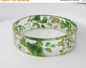 Sale White dried flowers bracelet  Terrarium jewelry Flower resin bracelet White flower bracelet Real plants Nature Jewellery Mothers day gi