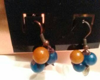 Bead cluster earrings