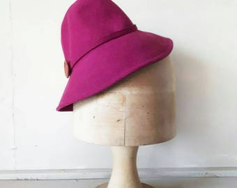 1940s Tilt Hat Maroon reproduction