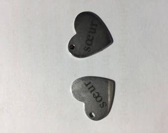 "Message ""sister"" heart pendant"