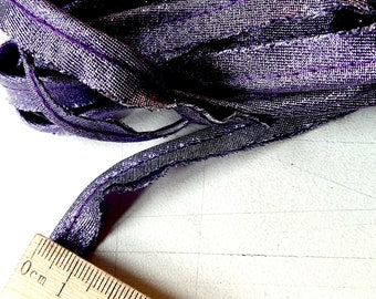 Purple lurex piping