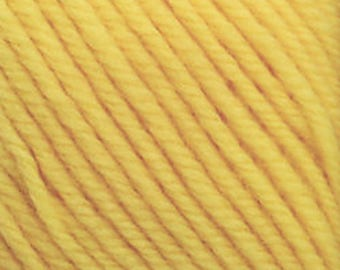 Cascade 220 Superwash #820 - 8.50 +1.50ea to Ship - Lemon #820 Pale Yellow Worsted Washable Wool - 220yd 100g. MSRP 11.00