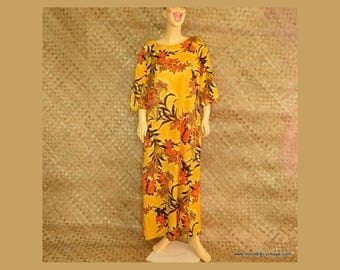 1960's Ladies Hawaiian 'Otaheite' Yellow Mumu Dress