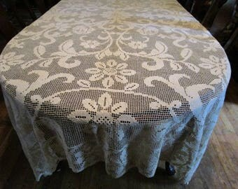 BEAUTIFUL Antique Crocheted Needle Lace Bedspread Coverlet Tablelcoth ~ Roses Pattern