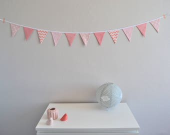 Bunting / wall decor / pink and white / pink flamingos