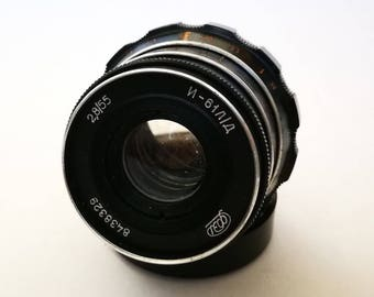 Industar-61 L/D 55 mm f 2,8 Lens. Vintage 1970s Rangefinder Lens with M39 LTM Leica Thread Mount