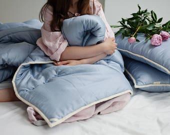 Full comforter. Full size bedding. Wool comforter. Year round comforter. Medium weight duvet. Blue quilt. Duvet insert. Steel blue decor.