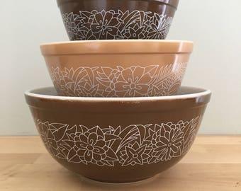 Vintage Pyrex - Woodland Nesting Bowls - 401-402-403