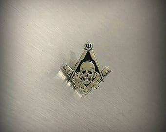 Masonic Lapel Pin Skulls and Bones