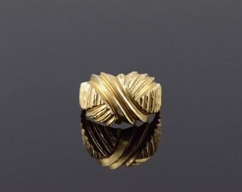 14k Criss Cross Mound Ring Gold