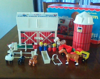Vintage Fisher Price Little People Play Family Farm 100% Complete with Box #915 1967 Barn and Animals