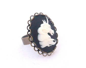 vintage black and white Unicorn cameo ring cameo 18x25mm