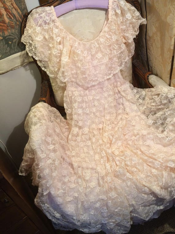 Nude peach  lace 1960's gypsy dress. Tiered. Lined. 36x28x45 length. Gorgeous.