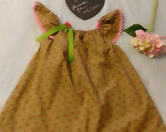 Lovely flutter sleeve dress size 5 100% cotton pre-washed
