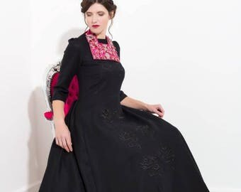 Black woollen long dress with dragons embroidery
