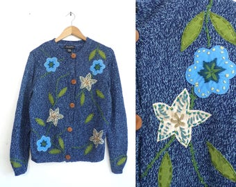 Floral Cardigan Sweater Heather Blue Knit Ramie & Cotton Button Down Cardigan 90s Flower Applique Womens Jumper Medium