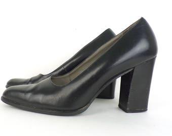 80s Black Leather Pumps Jacqueline Ferrar Chunky Heel Classic Minimalist Shoes High Heels 1980s Womens Shoes Size 7 M