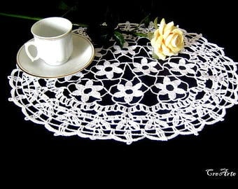 Oval White crochet doily, centrino bianco ovale all'uncinetto