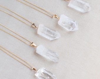 Raw Clear Quartz Necklace Gold Plated Chain, Summer Party Necklace Healing Crystal Pendant Quartz Jewelry Raw Crystal Necklace Pendant