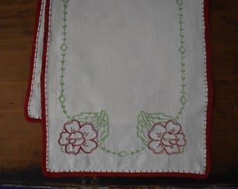 Hand Embroidered Dresser Scarf - Vintage Dresser Scarf - Vintage Linen - Embroidered Linen - Table Runner