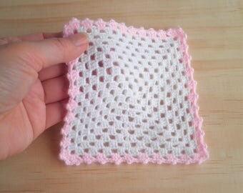 FREE SHIPPING, Miniature Blanket in White & Baby Pink, Baby Doll Blanket/Afghan, Dollhouse Granny Square Blanket, Dollhouse Nursery Blanket