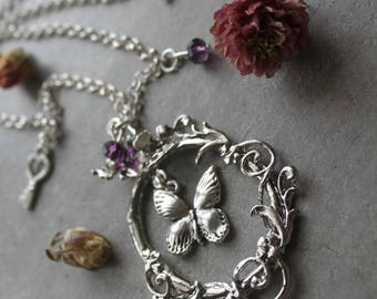 Romantic necklace and his fairy Butterfly
