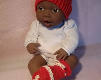 Clothing for infants 36/42cms, bonnet and booties in wool