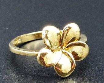 ON SALE 10K Gold  Hawaiian Plumeria Flower Ring - Size 6
