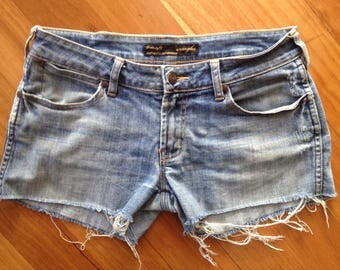 WRANGLER denim cut off jean shorts Size 10