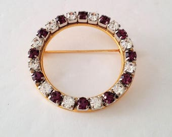 Gold Tone Circle of Life Brooch
