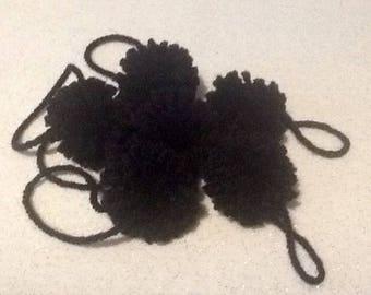 Set of 2 black tassels wool diameter 5cm