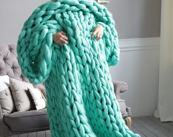 Chunky knit blanket. super bulky blanket.  23 microns. super chunky blanket