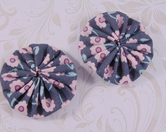 x 2 40mm gray and pink fabric flower fabric yoyos lot3