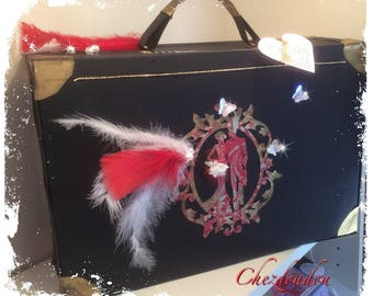 """wedding vintage urn shaped suitcase """"Feather, feather"""" romantic"""