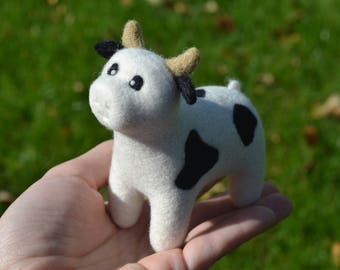 FREE SHIPPING with coupon code AUTUMN17 - Needle Felted Cow OOAK