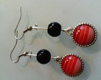 cabochon red striped pattern and Black Pearl Earring