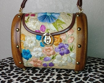 Fantastic Vintage Tiki Purse with Woven Flowers and Wood Sides