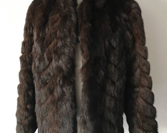 Gorgeous Mid Length Vintage Brown Genuine Fox Fur Coat Elegant And Sharp Women's Size Medium.