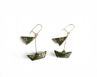 Earrings Origami boats with sails khaki with gold dot flower