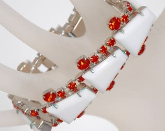 """Vintage 7 1/2"""" Bracelet, early molded plastic set in rhodium. circa 1950's, faceted rhinestones on each side."""