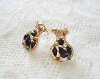 Gold plated & Crystal sack stud earring, Available in three colors: Black, White, Pink