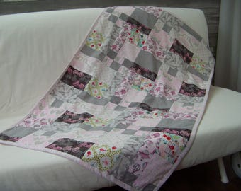Blanket style quilt Paris, bicycle and balloon