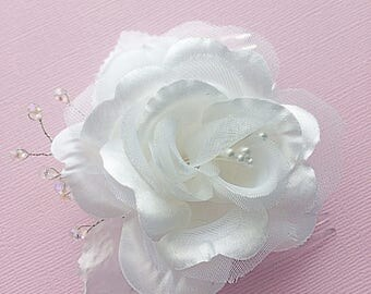 White Flower Hair Comb, Bridal Rose Comb, White Hair Comb, White Rose Comb, White Flower Comb, Bridal White Comb, Wedding White Hair Comb