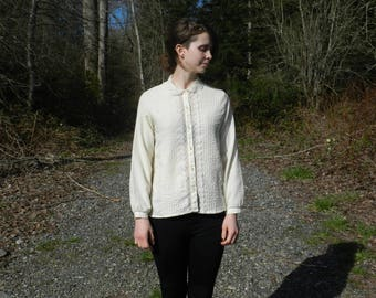 Never Land- A 1960s Vintage Blouse with Lace Peter Pan Collar- Cream- Ivory- XS