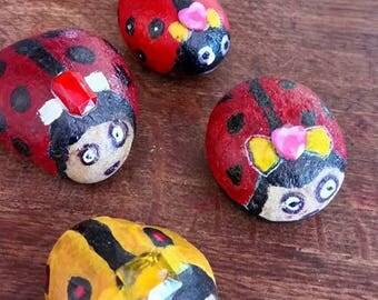 Pebble Ladybug coquette