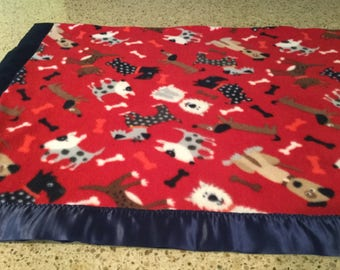 Handmade fleece pet blanket, cute dogs