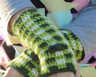 Crochet Arm Warmers, Crochet Fingerless Gloves, Crochet Plaid, Plaid Wrist Warmers, Crochet Wrist Warmers, Gloves, Crochet Hand Warmers, Bow